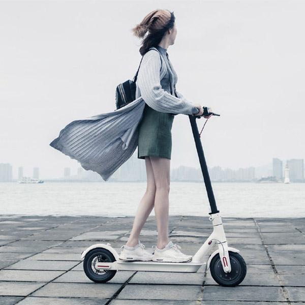 noleggio-monopattino-elettrico-mi-electric-scooter-1